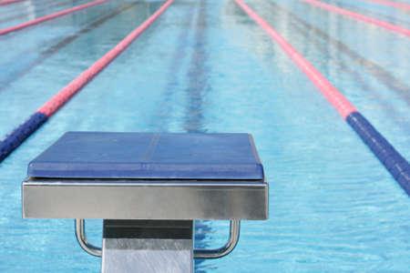 startpunt: Zwembad startblok Stockfoto