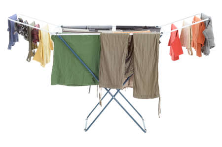lavadora con ropa: Ropa tendida secado en el tendedero