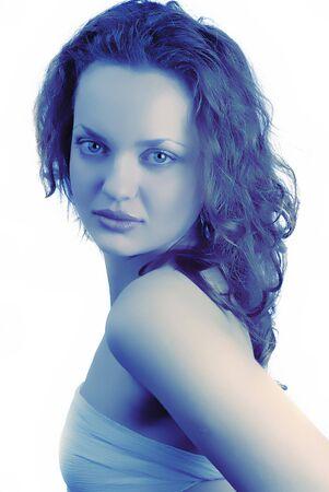 tonalit�: portrait de jeune fille en bleu tonalit�
