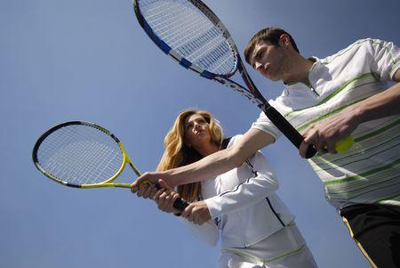 ゲームのスキルでテニス列車女男講師
