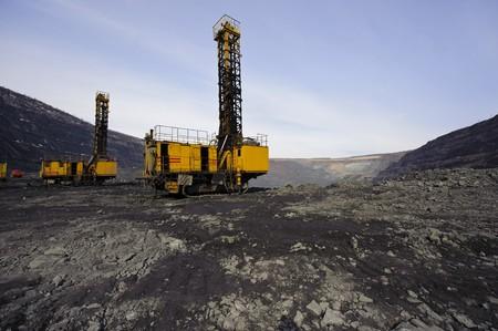 Speciale beitel gereedschaps werk tuigen voor het boren van diepe kieren voor uitvoering van explosieve werken in carrière