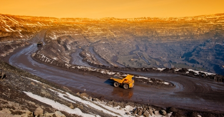 industrially: delivery by the motor transport of iron ore from a pit Stock Photo