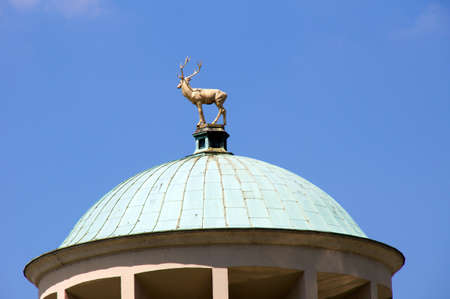theodor: The art building at the Schlossplatz in Stuttgart  This striking building with its large dome was erichtet 1913 by architect Theodor Fischer is timeless and elegant  The dome is crowned by a gilded deer of the sculptor Ludwig Habich  Editorial
