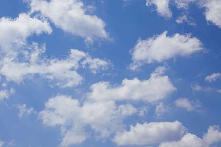 aire puro: Fondo natural del cielo. Las nubes y el fondo natural. Foto de archivo