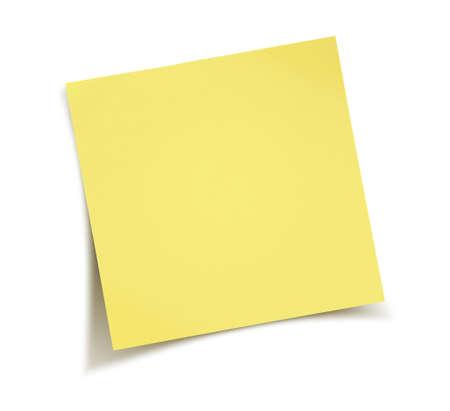 papel de notas: Nota de papel amarillo aislado en el fondo blanco Foto de archivo