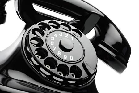 wijzerplaat: een oude telephon met roterende wijzerplaat
