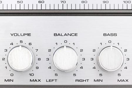 equipo de sonido: controlls de aluminio de un antiguo ghetto blaster