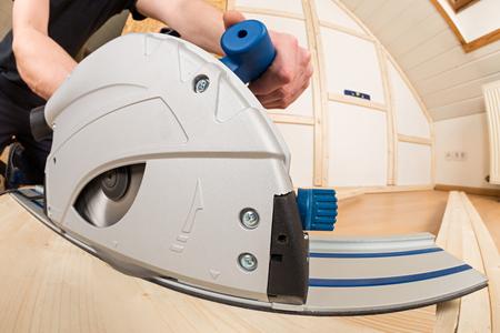 build buzz: hand circular saw at work