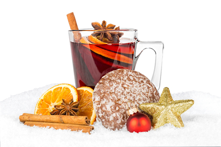 spiced: hot spiced wine in snow