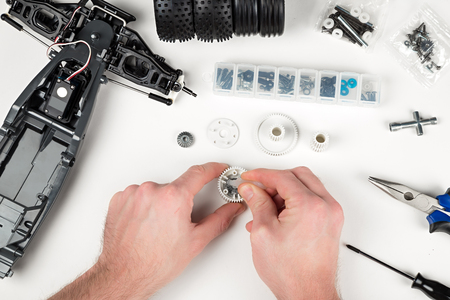 rc: assembly of a rc car gear box