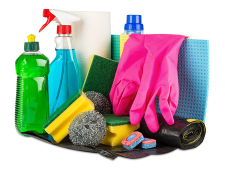 gospodarstwo domowe: various household cleaners and products on white background