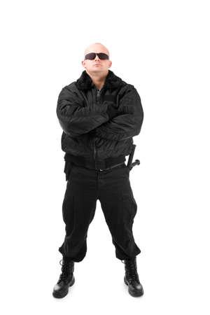 seguridad laboral: Hombre con traje negro en gafas de sol. Aislados en fondo blanco