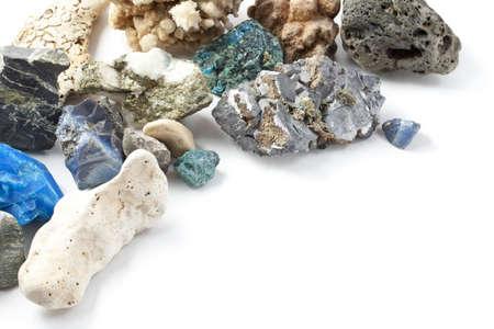 Minerales aislados en fondo blanco