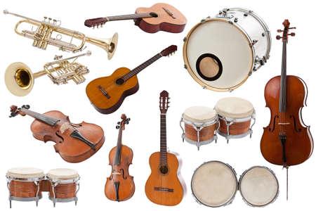 Muziekinstrumenten collectie op een witte achtergrond