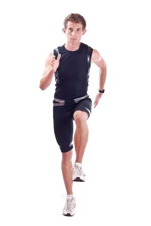atleta corriendo: Hombre corriendo aislado en blanco
