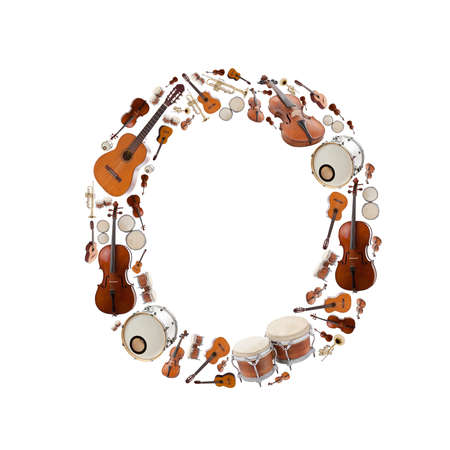 simbolos musicales: Instrumentos alfabeto musical sobre fondo blanco. Letra O
