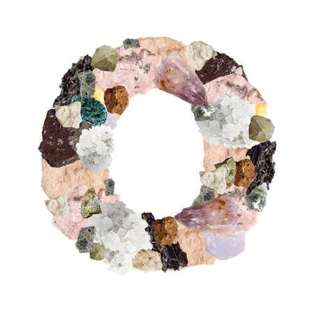 Minerales alfabeto aislado sobre fondo blanco Letra O