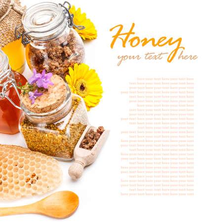 Formas de miel: miel, panal de abeja, polen, propóleos Foto de archivo