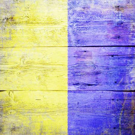 kilo: Kilo, bandera de se�al internacional mar�timo pintado sobre fondo sucio tabl�n de madera