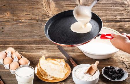whit: Making fresh crepes whit ingredients
