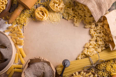Pasta frame with different types of italian pasta Archivio Fotografico