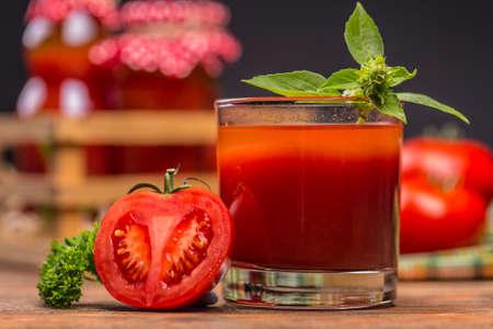 Close up of tomato juice in glass Archivio Fotografico