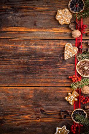 Kerstmisachtergrond met koekjes en spartakken