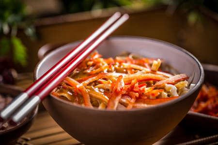 thai noodle: Bowl of noodles with vegetables