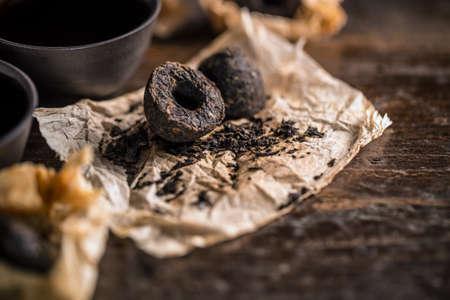 pu: Unpacked dry pressed pu erh tea leaves briquette