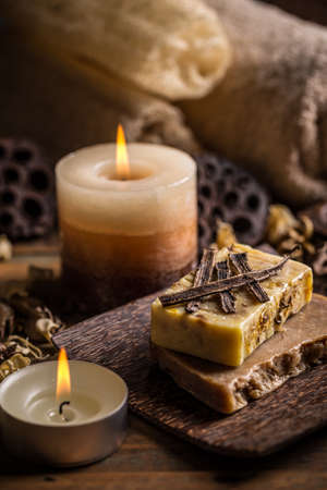 aromatic: Aromatic spa set with soap and candle