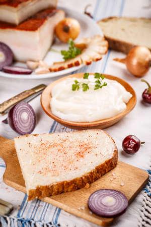 crus: Bread with lard and paprika powder