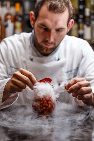 nitrogen: Fruit soup with dry ice, Chef decorating