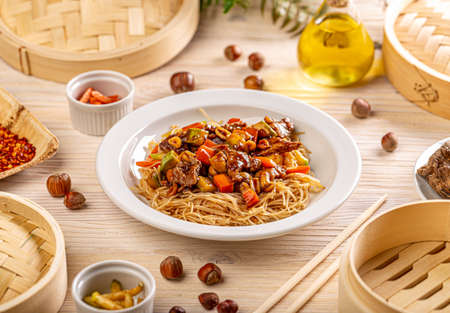 Traditional Chinese chow mein Stockfoto