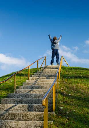 subir escaleras: Encima