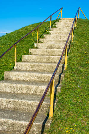 ascend: Steep ascend