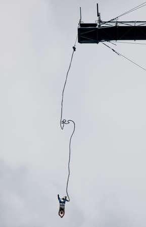 Bungee Jumper in altezza estrema