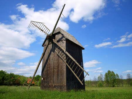 Molino de viento en Bialowieza 4