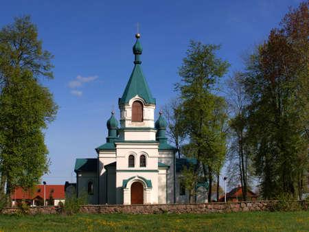 Antigua iglesia ortodoxa forma Nowoberzowo Podlasie, Polonia