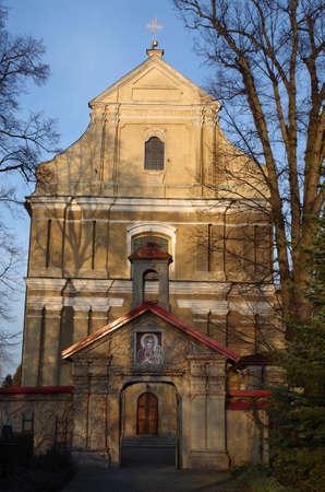 Iglesia de Santa Mar�a de los �ngeles de Lutomiersk Foto de archivo