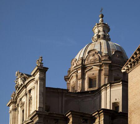 ルーク: 聖ルカ教会と聖マルティナ、ローマのフォーラムによって