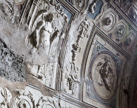bath house: Ceiling detail of bath house in Pompeii ruins