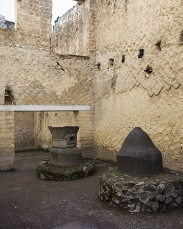 felix: Bakery of Patulcus Felix in the ruins of Herculaneum Stock Photo