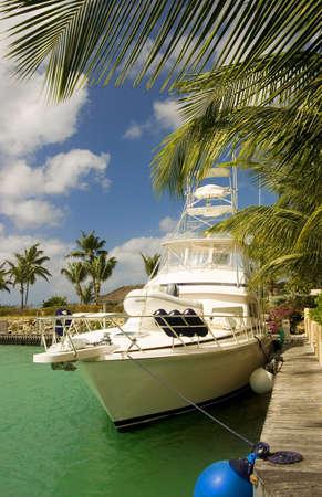 jetset: a motor cruiser in Barbados