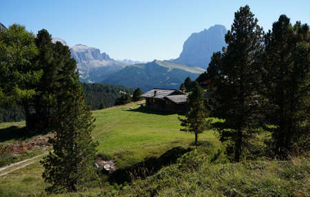 dona: Idyllic alp cabin with great view on dolomite mountains
