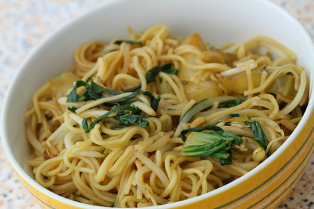 beansprouts: Chinese noodles with beansprouts and paksoy Stock Photo