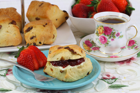 scone: English scone with jam and clotted cream