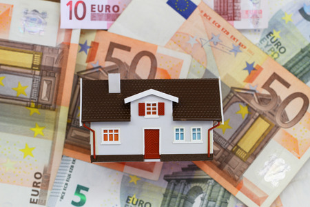 repayment: House on banknotes