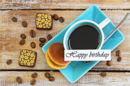 cafe bombon: Tarjeta del feliz cumpleaños con la taza de café, galletas y chocolates japonés