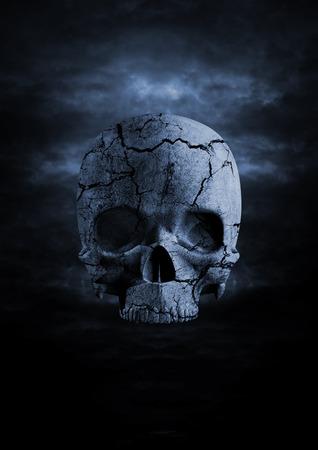 어두운 해골 금이 간 두개골의 밤하늘에 렌더링