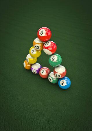 bola de billar: Imposible truco bola de billar en 3D render de bolas de billar en la formaci�n imposible Foto de archivo